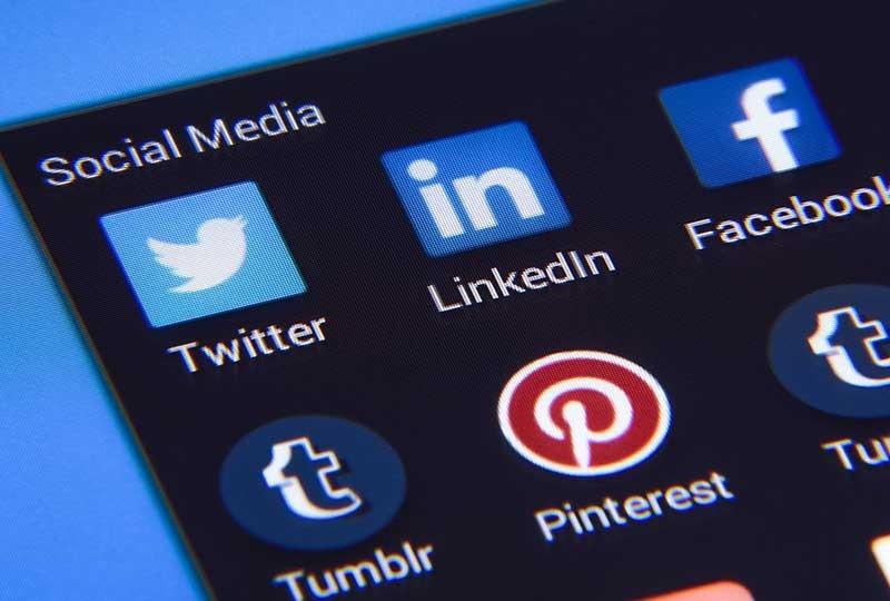 استخدام مواقع التواصل الاجتماعي في التسويق