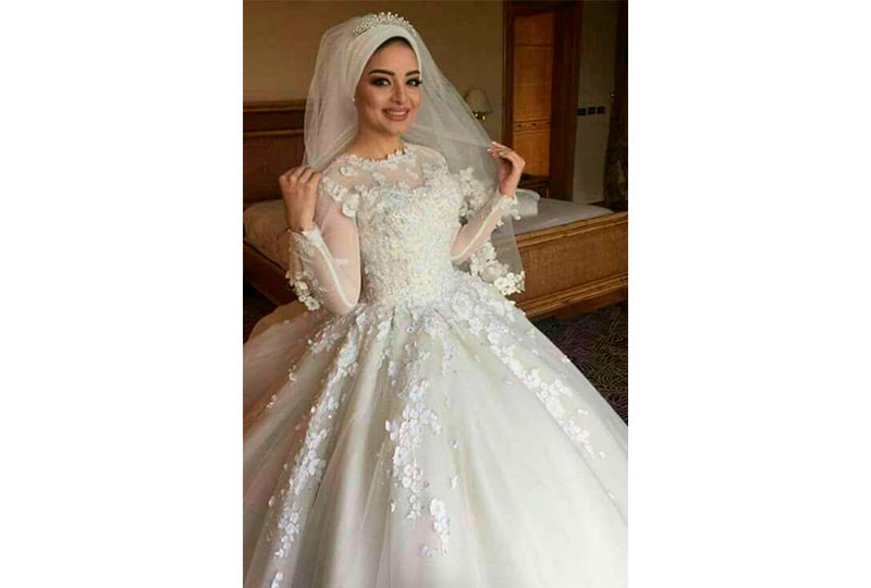 عروسة بالحجاب