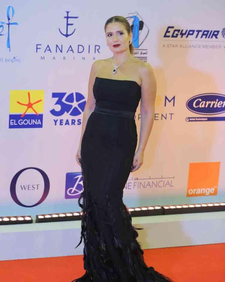 فستان هنا شيحة من مهرجان الجونة 2019