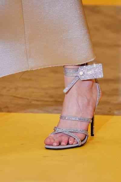 أحذية شتاء 2020 حذاء بأربطة