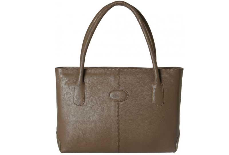 حقيبة جلد طبيعي باللون الكافيه