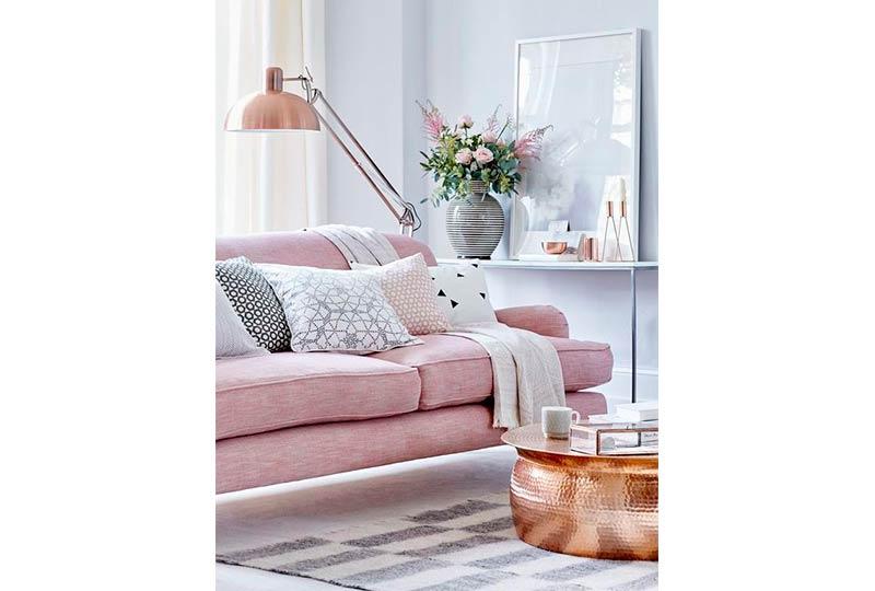 غرفة معيشة وردي