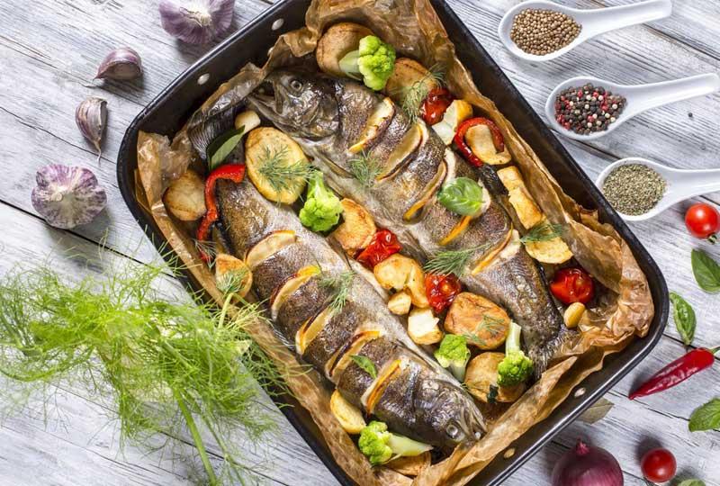 طريقة عمل صينية السمك بالبطاطس