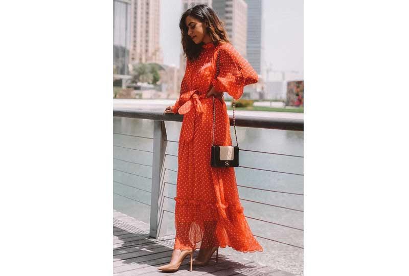 ملابس كاجوال للعيد فستان باللون البرتقالي
