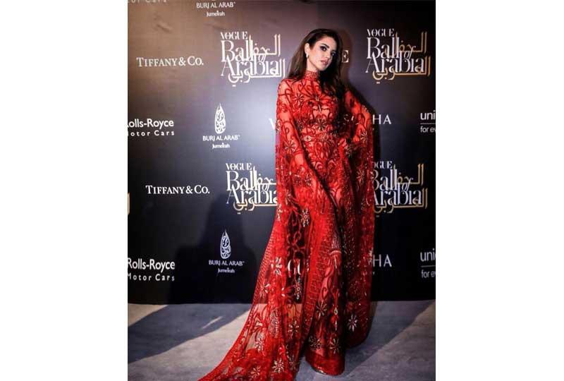 فساتين درة زروق فستان درة الأحمر