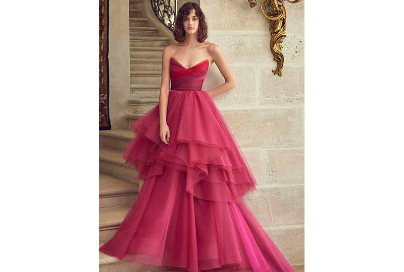 فستان خطوبة أحمر