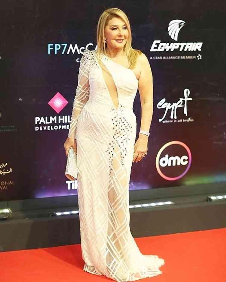 فستان نادية الجندي في مهرجان القاهرة السينمائي 2019