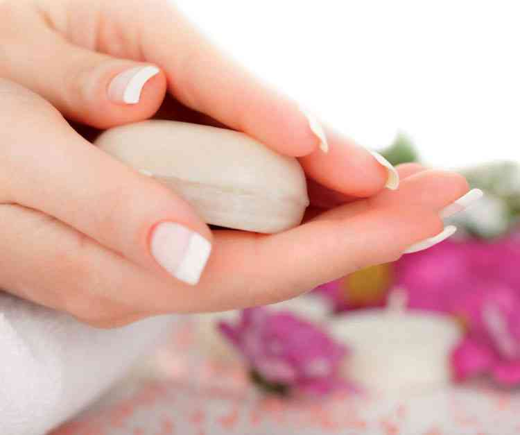 فوائد صابون الكبريت للبشرة الدهنية