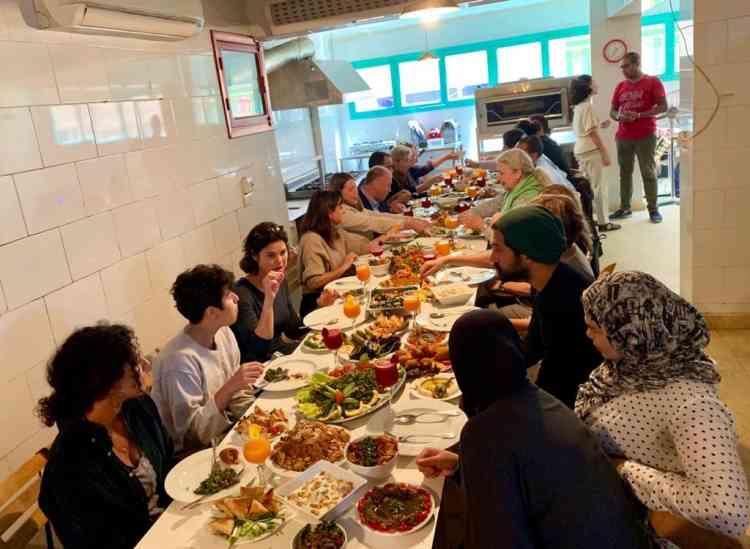مطبخ دوار لتمكين السوريات والمصريات