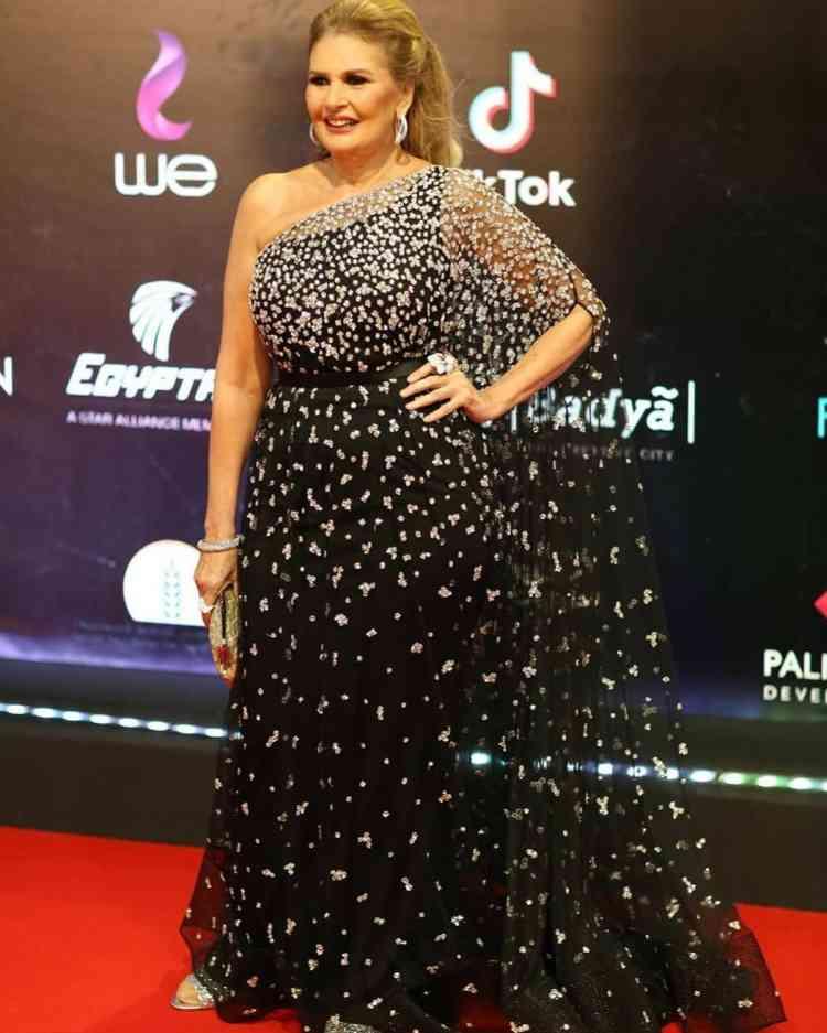 فستان يسرا في مهرجان القاهرة السينمائي 2019