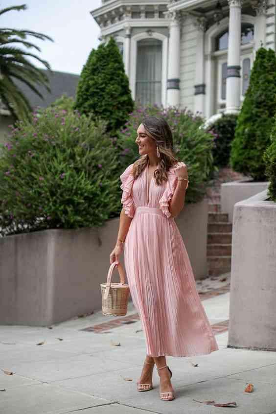 أنواع الفساتين فستان متوسط الطول