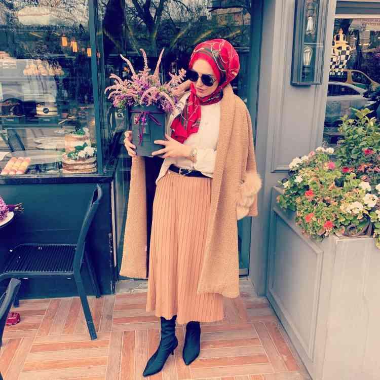 أزياء محجبات تركية تنورة بليسيه