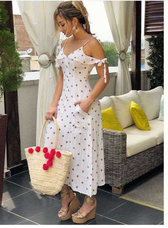 ملابس البحر فستان بأكتاف متساقطة بنقشة البولكا دوتس