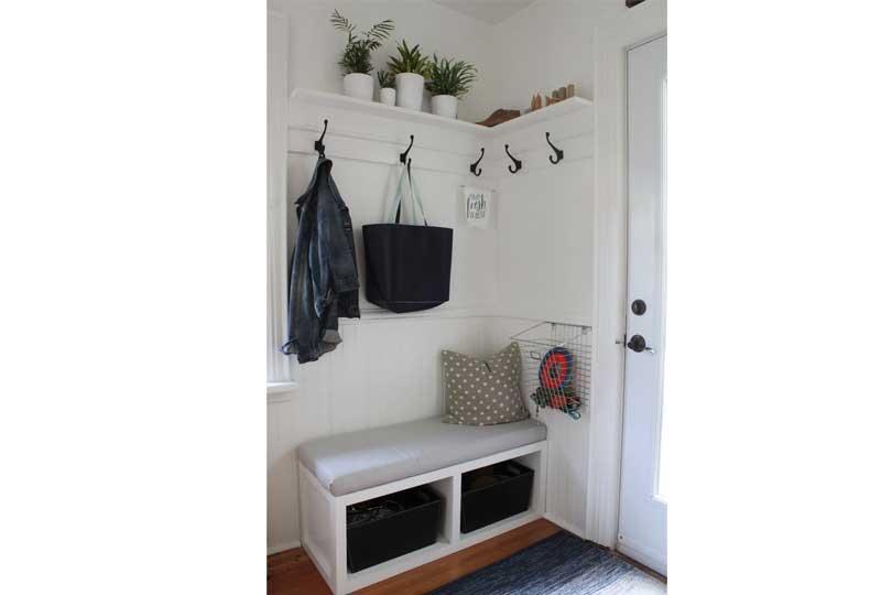 أفكار لترتيب البيت بشماعات على الحائط