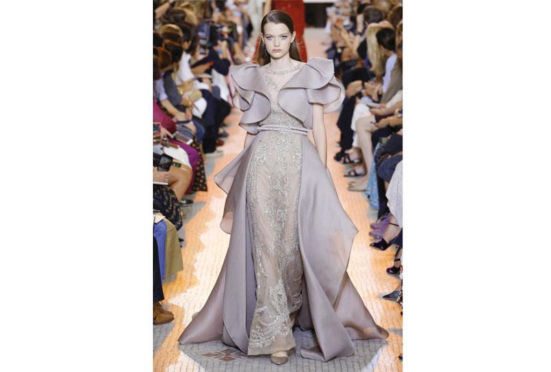 فساتين خطوبة بألوان النيود  من عرض أزياء إيلي صعب هوت كوتور 2019