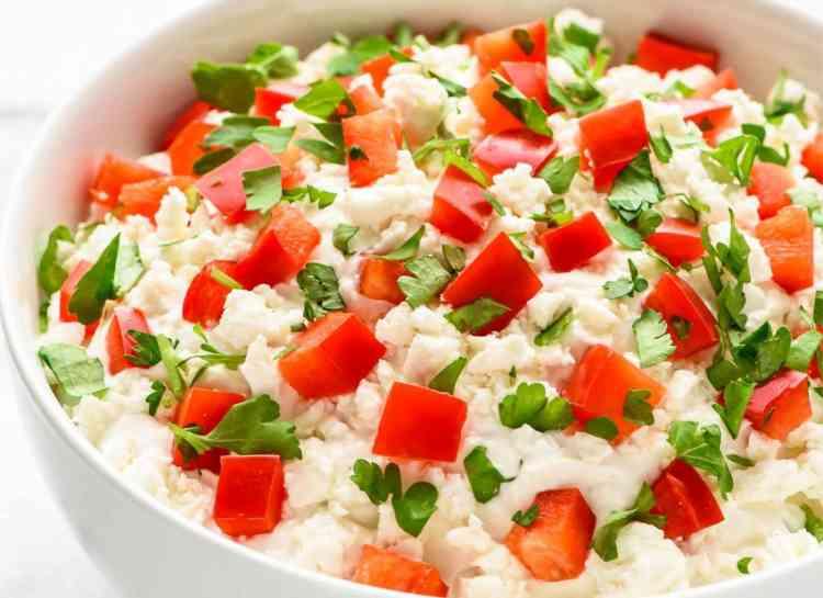 أكلات صحية جبنة بالطماطم والنعناع