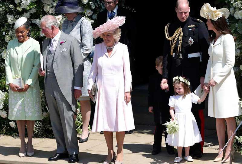 العائلة المالكة في حفل الزفاف