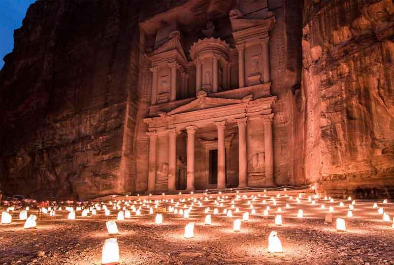 مدن عربية سياحية البتراء