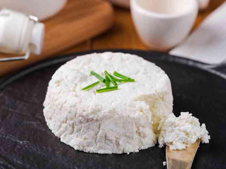 طريقة عمل الجبنة الموزاريلا