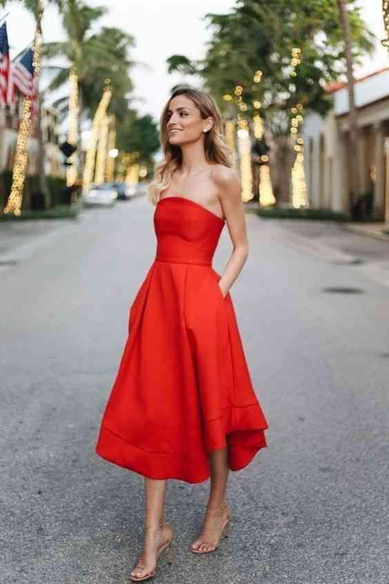 أنواع الفساتين فستان بدون أكتاف