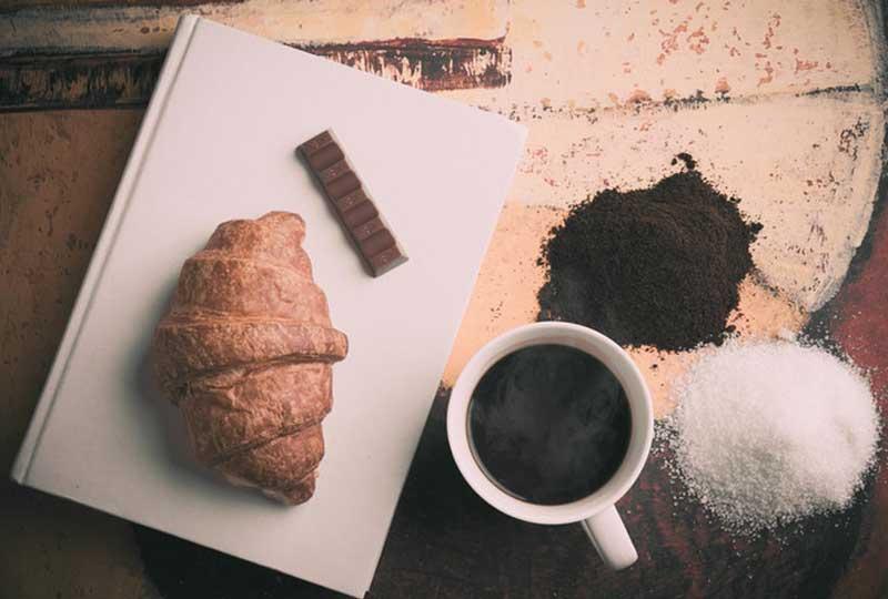 طريقة عمل الكرواسون بالشوكولاتة