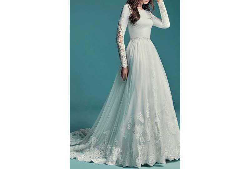 فستان زفاف من التل