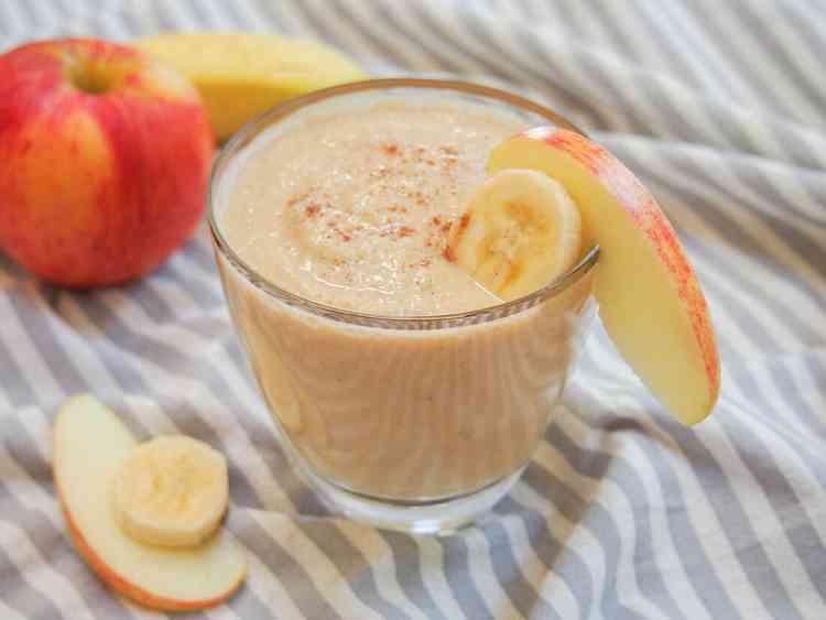 مشروبات صحية عصير الموز والتفاح