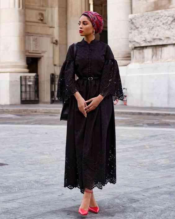 عبايات سواريه أسود