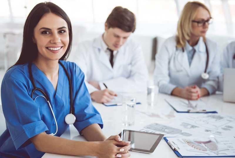 طبيبة Physicians