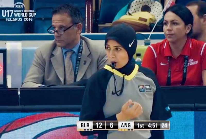 سارة جمال أول حكم دولي محجبة لكرة السلة