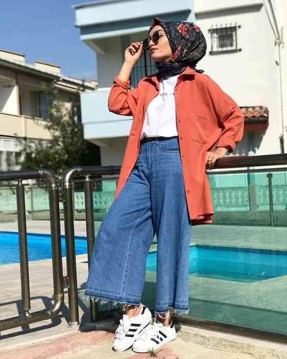 أزياء محجبات تركية بلوزة مفتوحة وبنطلون جينز طويل
