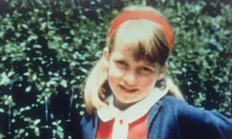 الأميرة ديانا في طفولتها