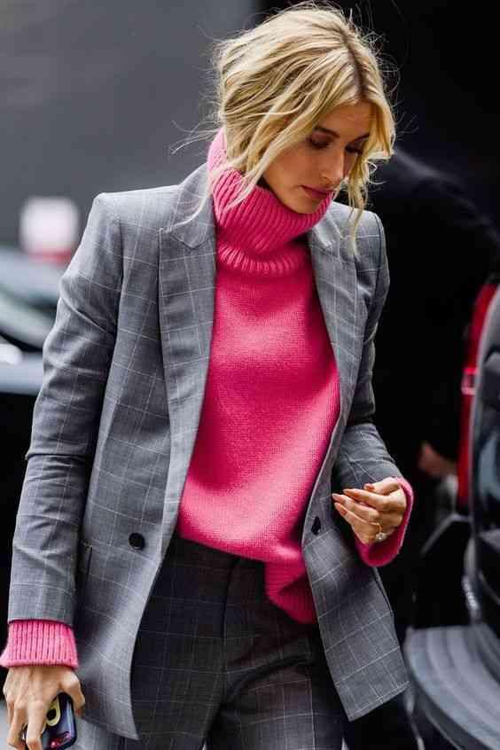 تنسيق اللون الرصاصي مع الوردي
