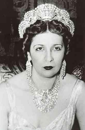 نازلي ملكة مصر القرينة