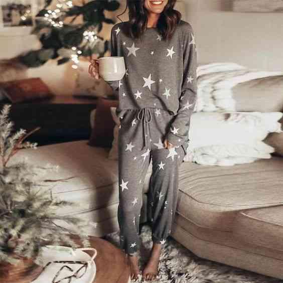 ملابس مريحة للمنزل جمبسوت رمادي برسومات نجوم