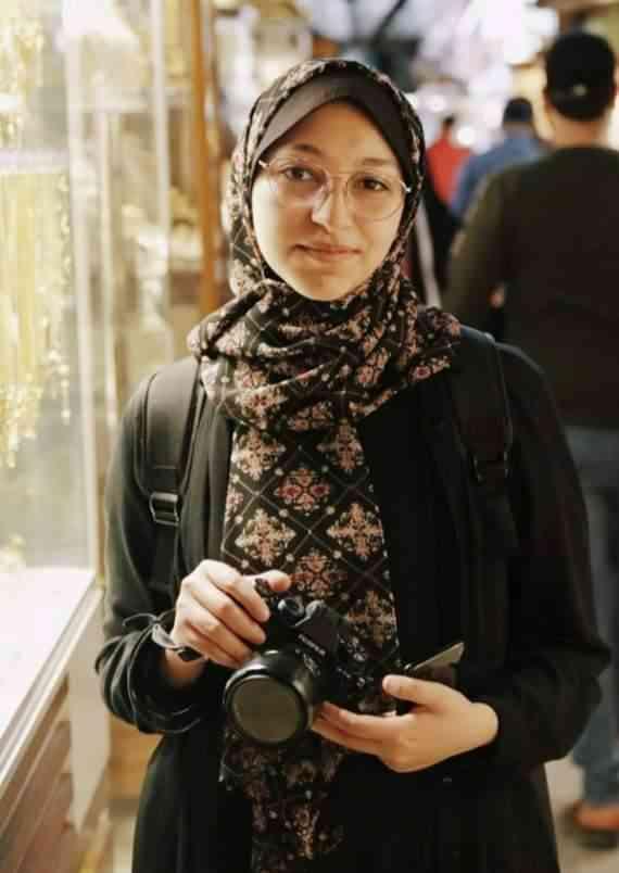 المصورة الصحفية فاطمة شبير
