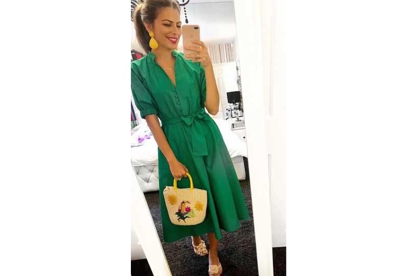 ملابس كاجوال للعيد فستان باللون الأخضر