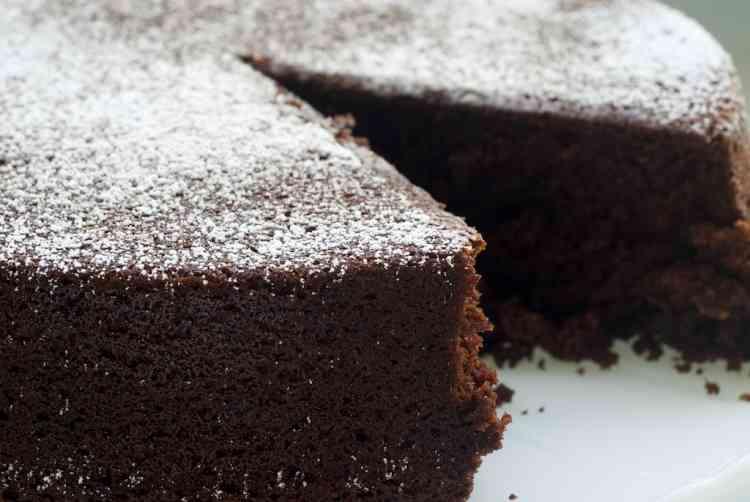 طريقة عمل الكيكة الاسفنجية بالكاكاو