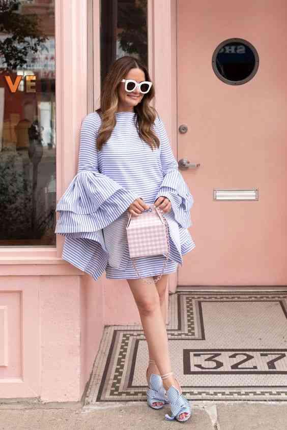 أنواع الفساتين فستان بأكمام واسعة
