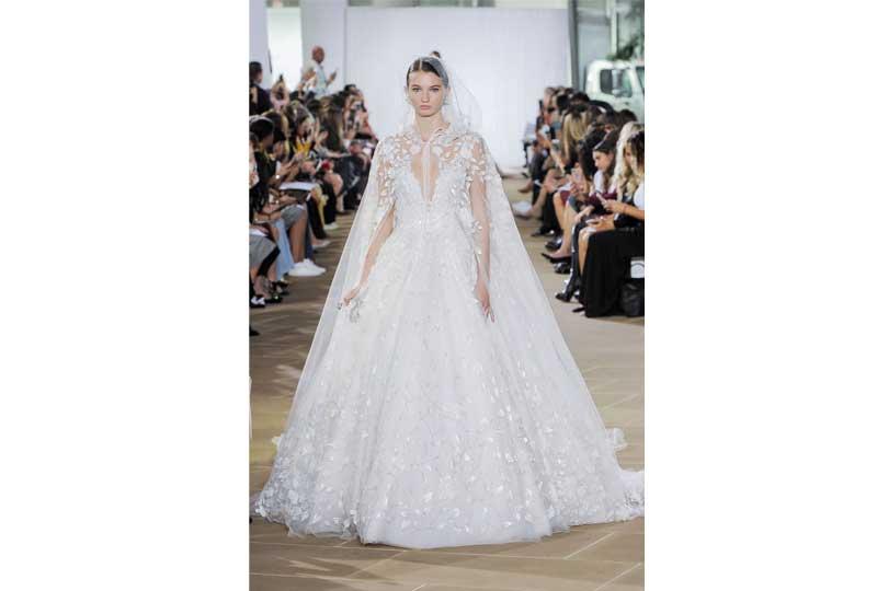 فساتين زفاف 2019 منفوشة ومُزينة بالورود