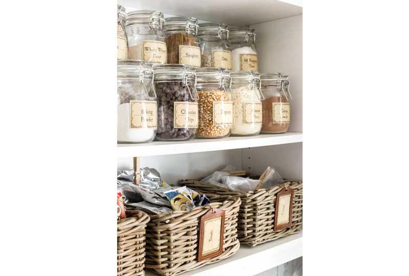 أفكار لترتيب المطبخ باستخدام البرطمانات
