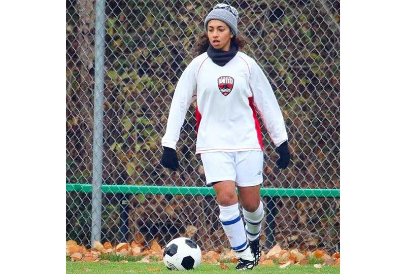 فريدة سالم تلعب مع الفريق الكندي
