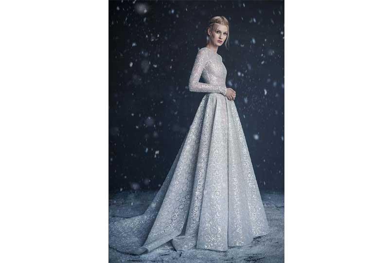 فساتين زفاف للشتاء باللون الفضي