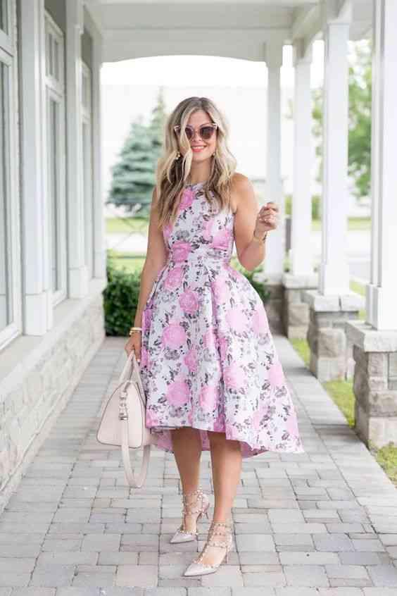 أنواع الفساتين فستان قصير من الأمام طويل من الخلف