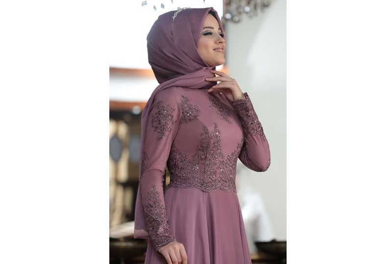 لفات طرح سواريه بالحجاب التركي والتاج