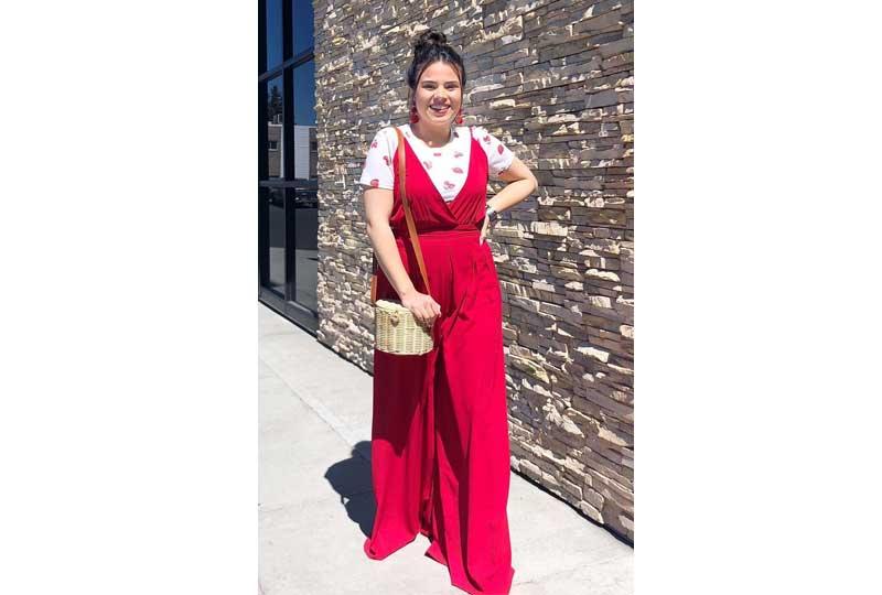 ملابس كاجوال للعيد جمبسوت باللون الأحمر