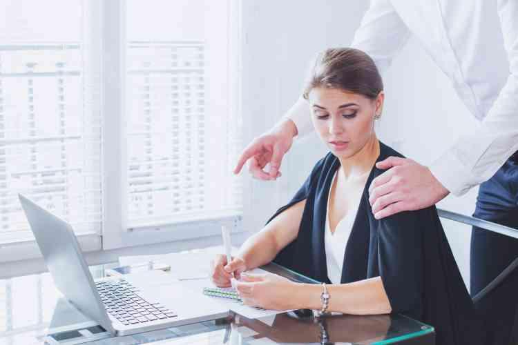 النسوية - التحرش في أماكن العمل