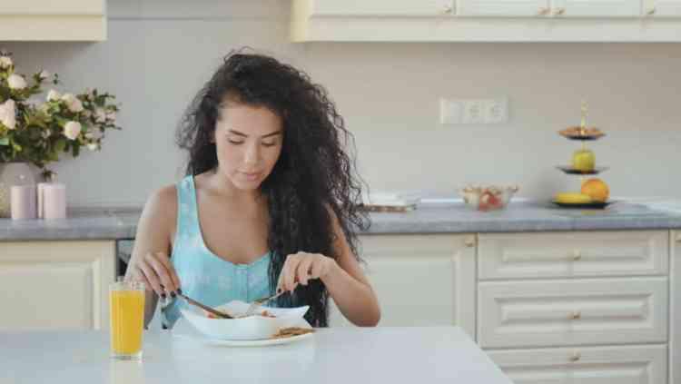 تخطي وجبة الإفطار من العادات الغذائية الخاطئة