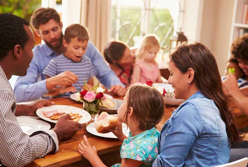 نصائح لتحافظي على وزنك في عزومات عيد الأضحى