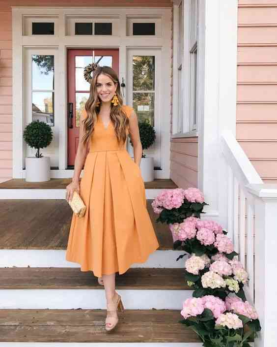 أنواع الفساتين فستان A-Line أصفر